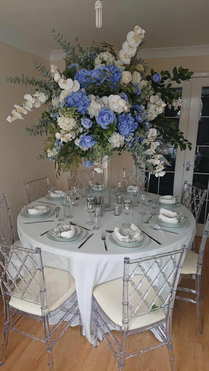 5ft-blue-and-white-florals