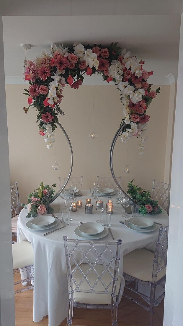 Floral-table-stand-centrepiece