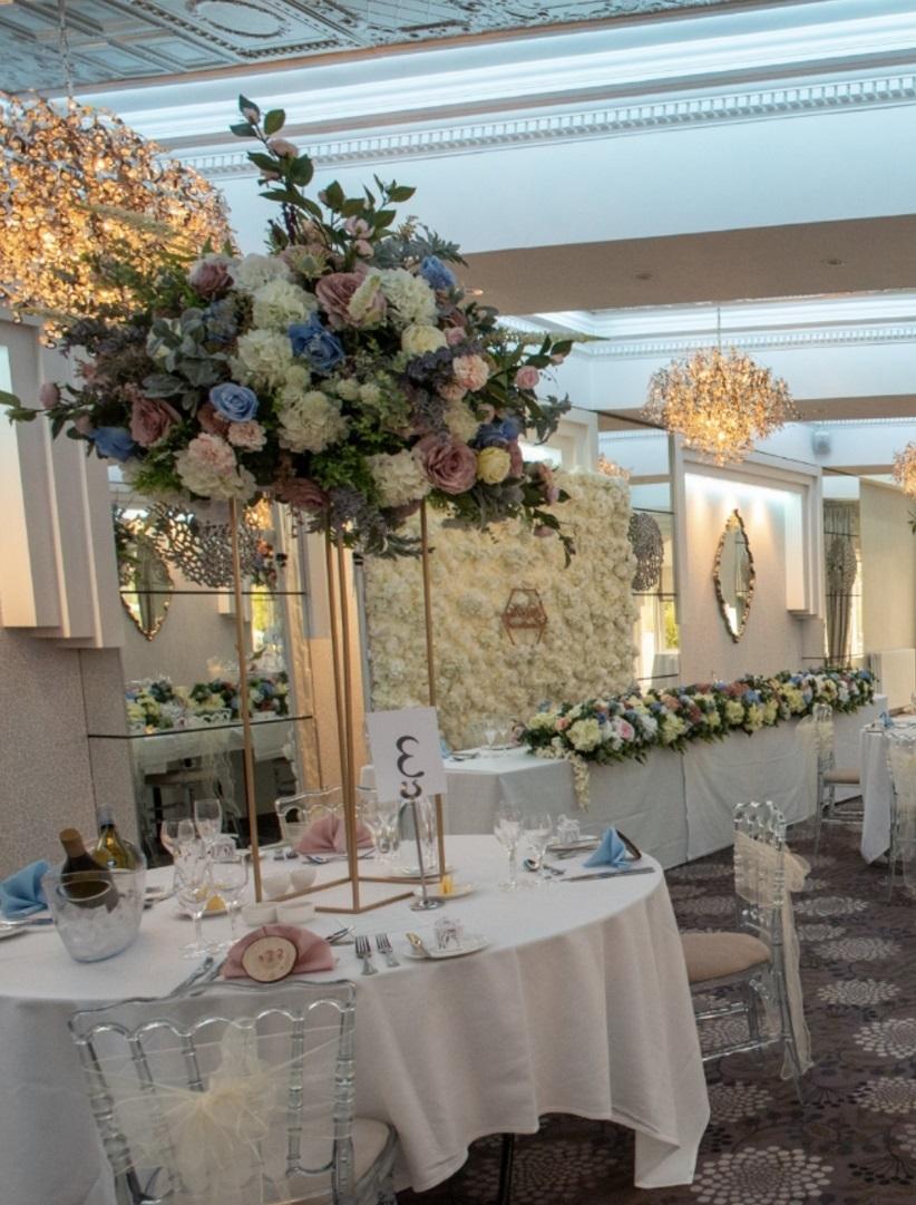 Large-floral-pastel-centrepieces