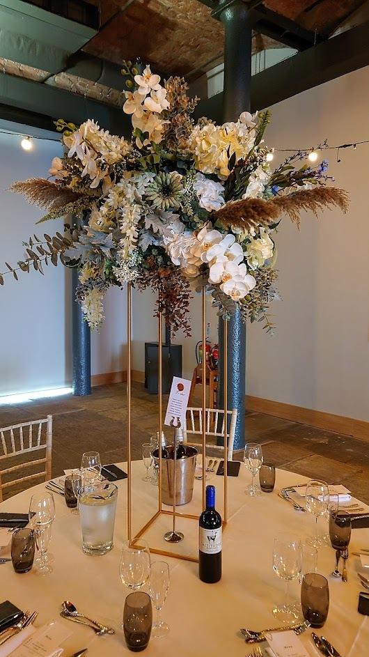 Pampas-grass-floral-Titanic-Hotel