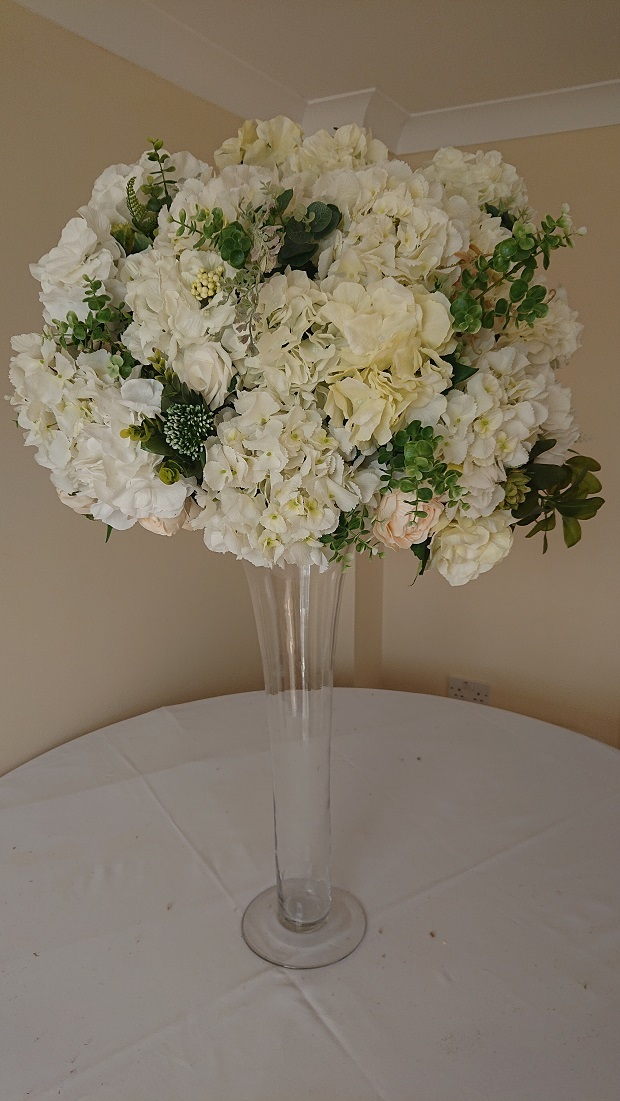 White-rose-and-hydrangea