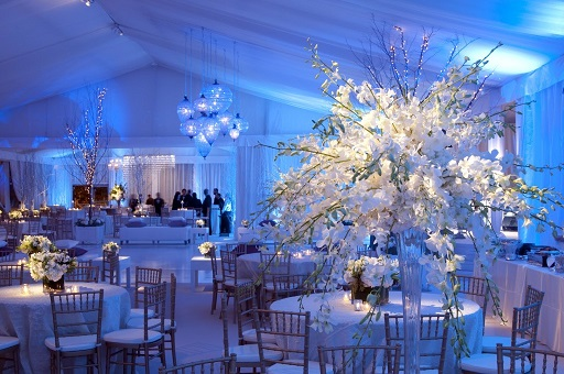 venue dressing for winter weddings