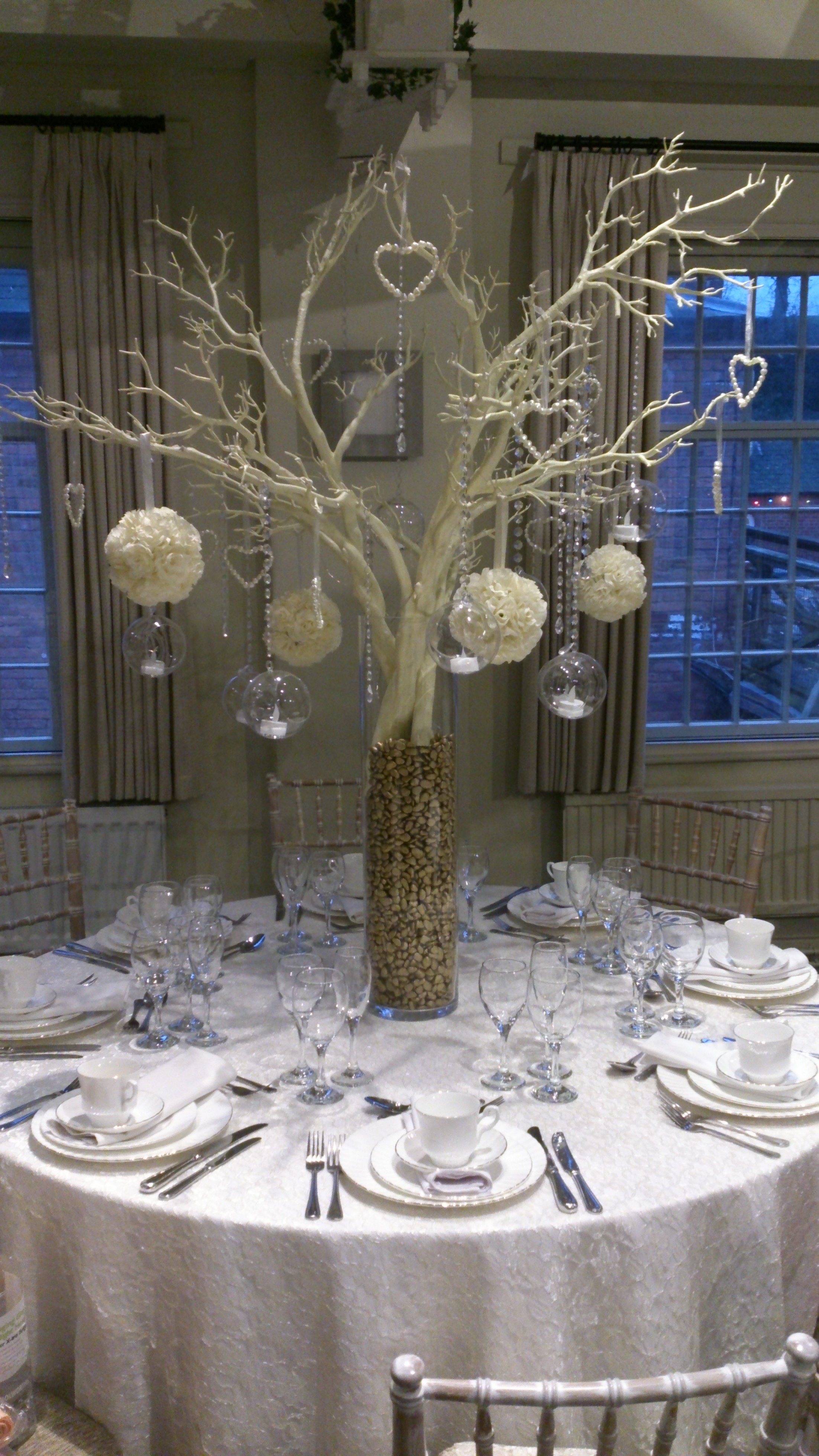 centrepiece trees for weddings
