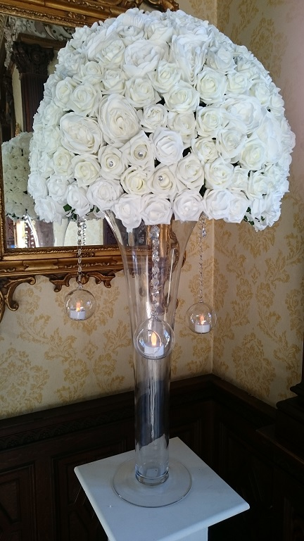 rose wedding table centrepiece